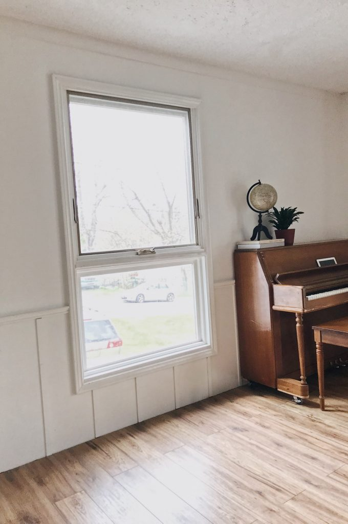 Window without curtain rod