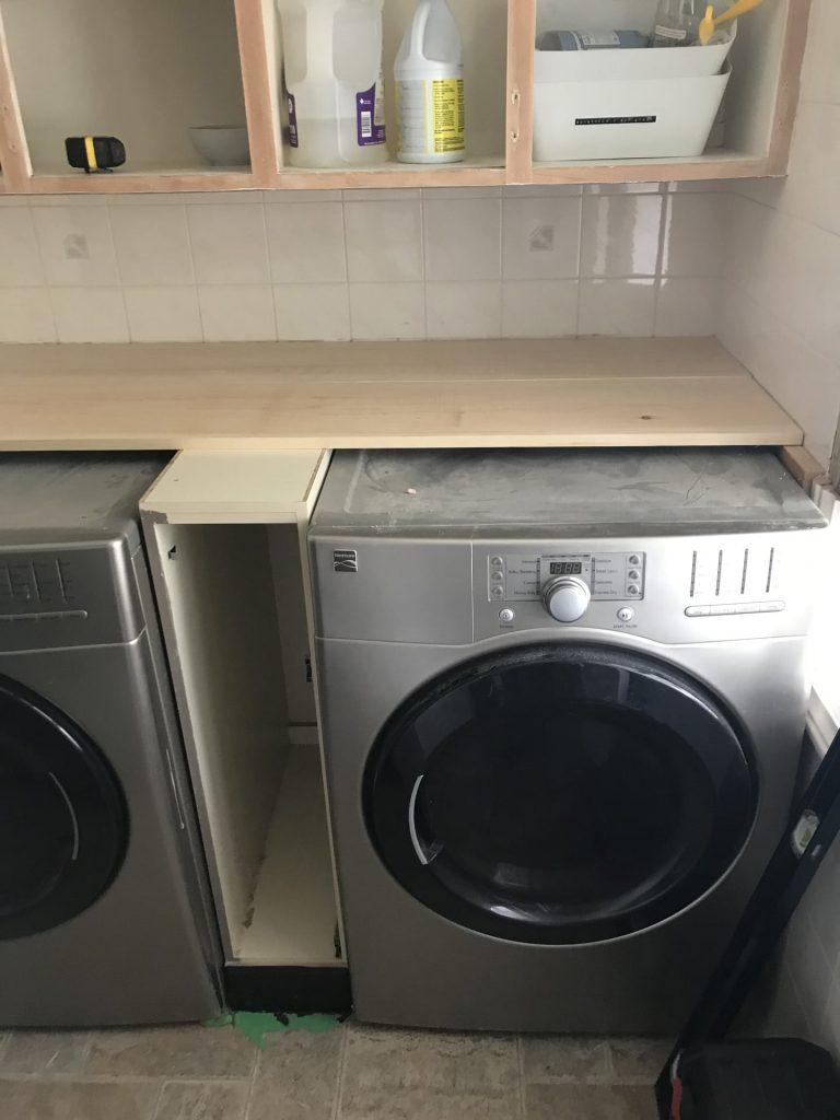 Simple Inexpensive DIY Laundry Room Countertop - Iekel ...