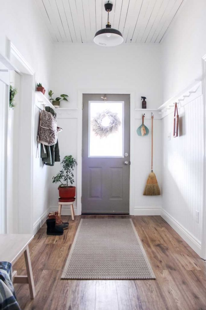 front entryway no closet with reg rails