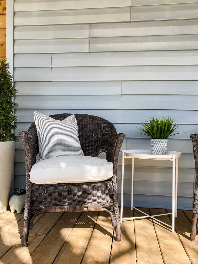 how to update wicker furniture with paint